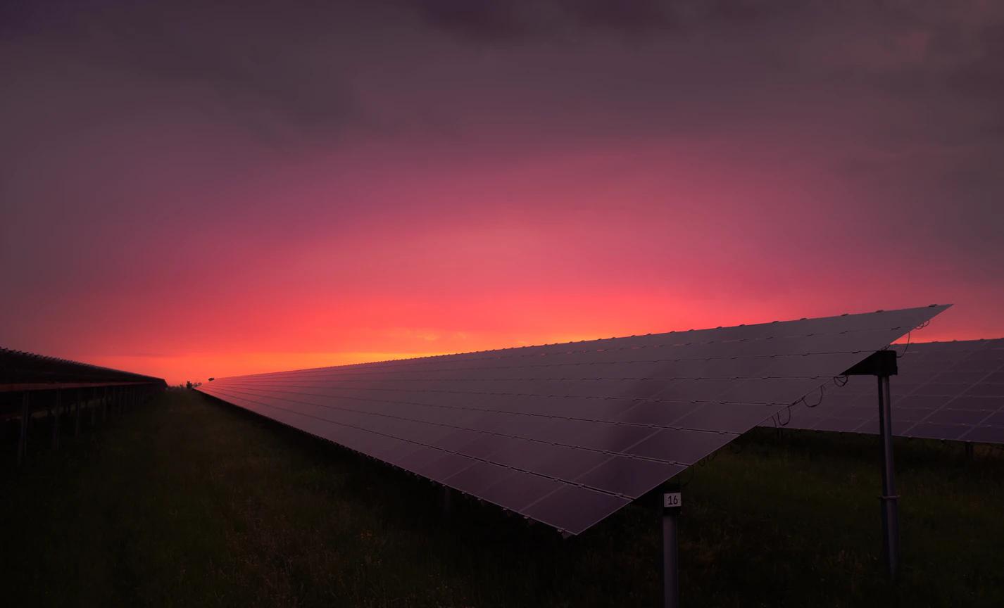 Fotovoltaicke elektrarny se vyplati. Ma to ale jeden hacek